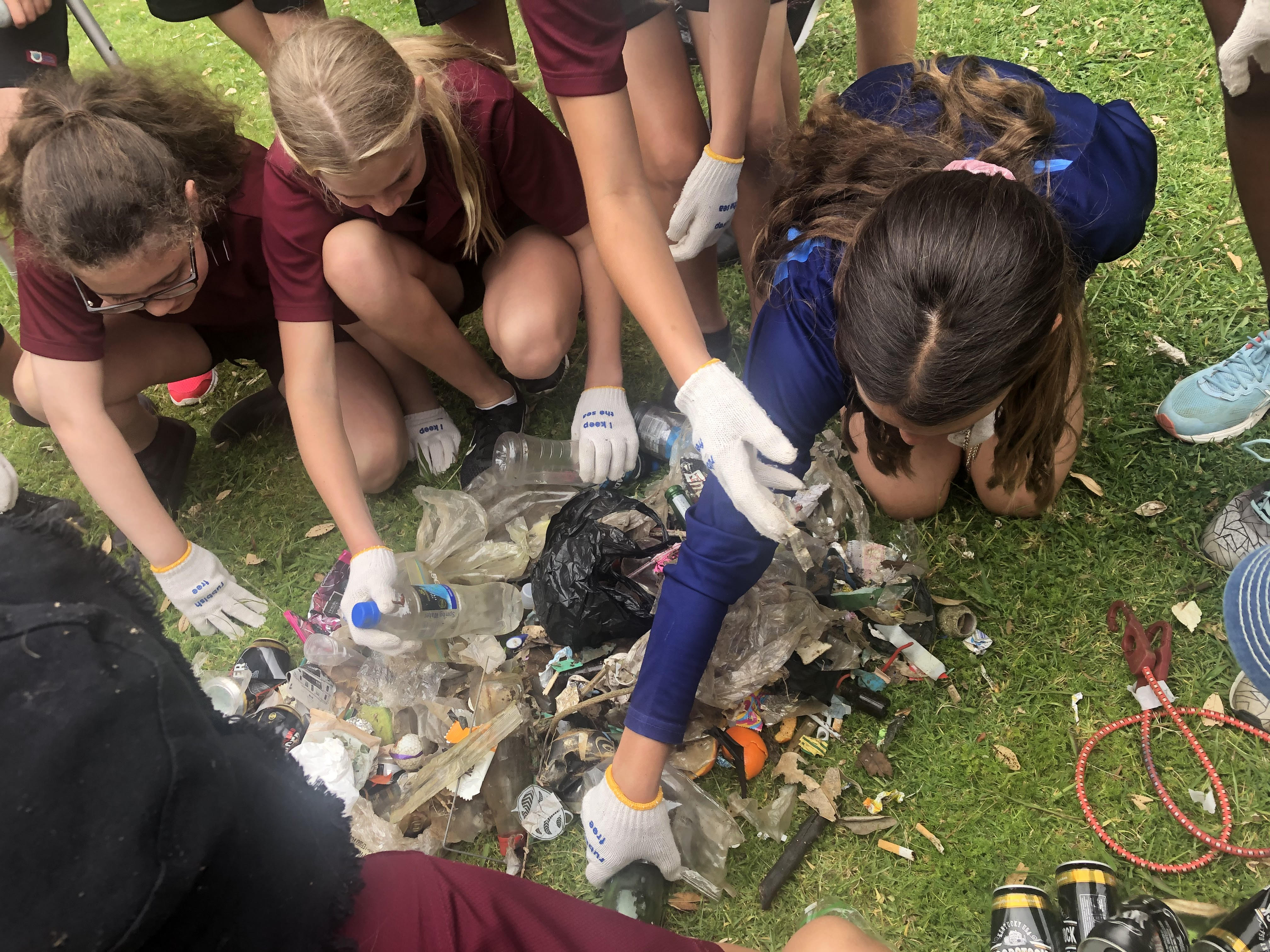 Year 8 Students Clean Up Park